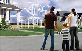 famiglia che immagina la casa del futuro